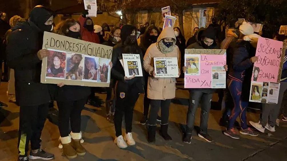 """""""Que retumbe todo San Luis hasta que nos devuelvan a Guada"""", es el lema de la marcha."""