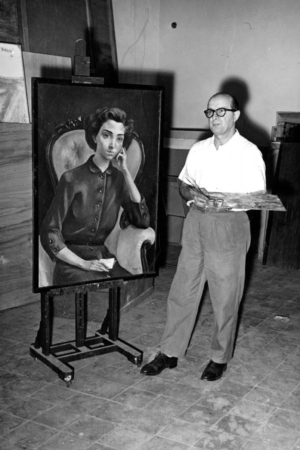 Berni y su obra La Rosita. Foto AGN.